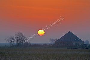 Opkomende zon in Eierland, Texel
